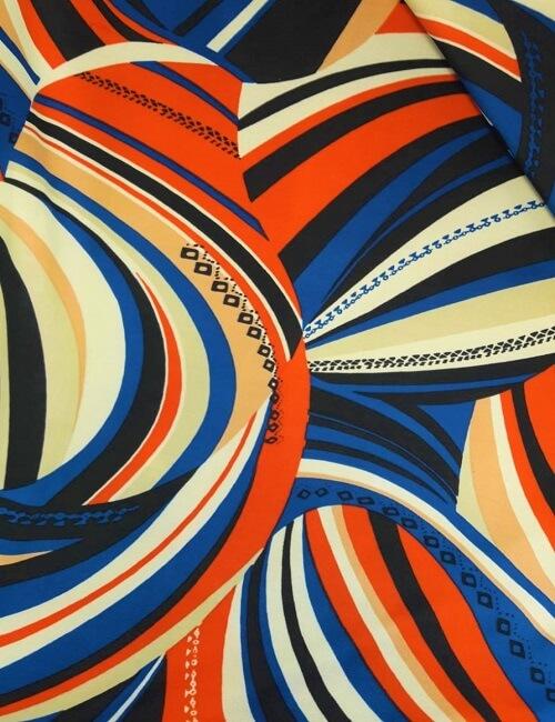 maglina fantasia geometrica sul bluette