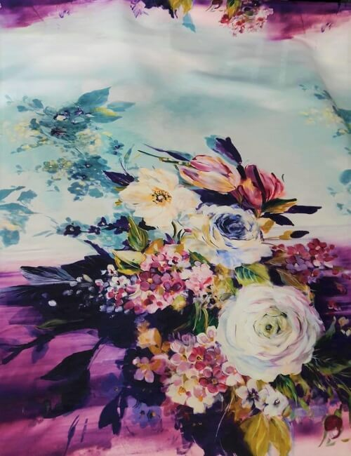Rasone fiori a pannelli sul viola